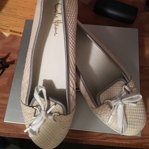 Cole Haan Boat Shoes Size 9.5B. Gently Used, fun!